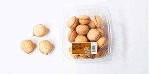 Picture of Macaroons Almonds